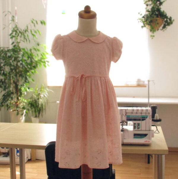 Nauka szycia Kraków - sukienka dla dziewczynki