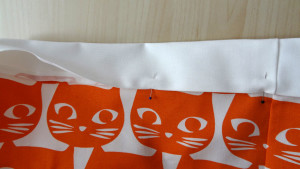 Szycie torby - tutorial - zawinięcie plisy