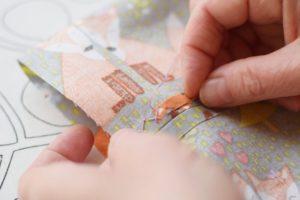 Szycie maseczki bawełnianej - tutorial - ścieg zakopiański - zabezpieczenie tkaniny