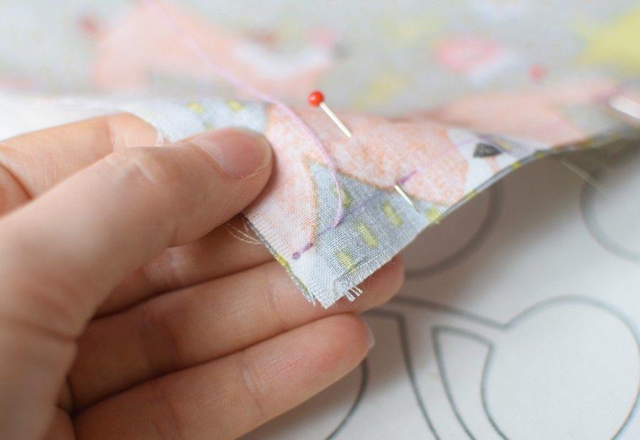 Szycie maseczki bawełnianej - tutorial - szycie - ręczny ścieg łączący - za igłą