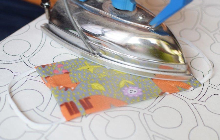 Szycie maseczki bawełnianej - tutorial - szycie ręczne - prasowanie maseczki